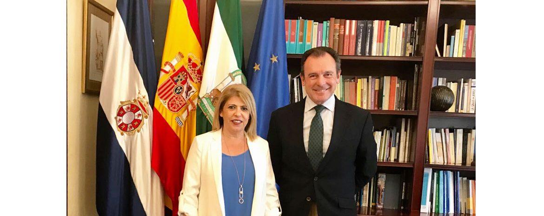 La alcaldesa de Jerez mantiene un encuentro con Ernesto Sanguino para analizar los servicios que prestará Sanguino Abogados a este Ayuntamiento